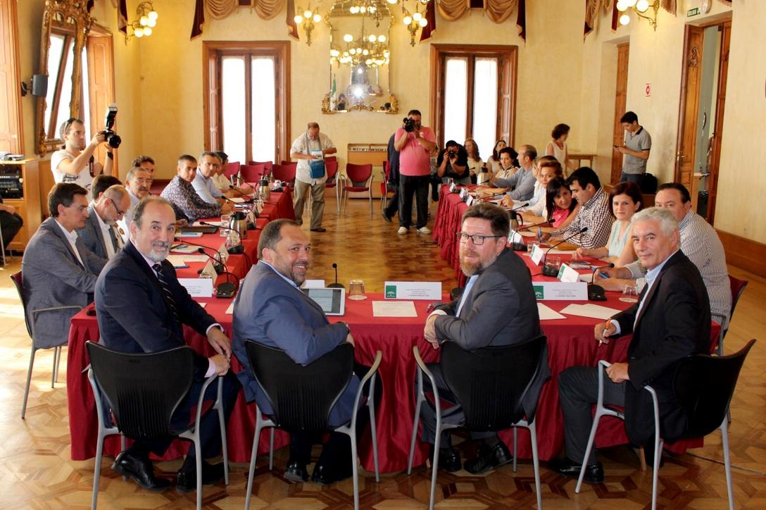 consejero andaluz eunion sector hortofrutícola