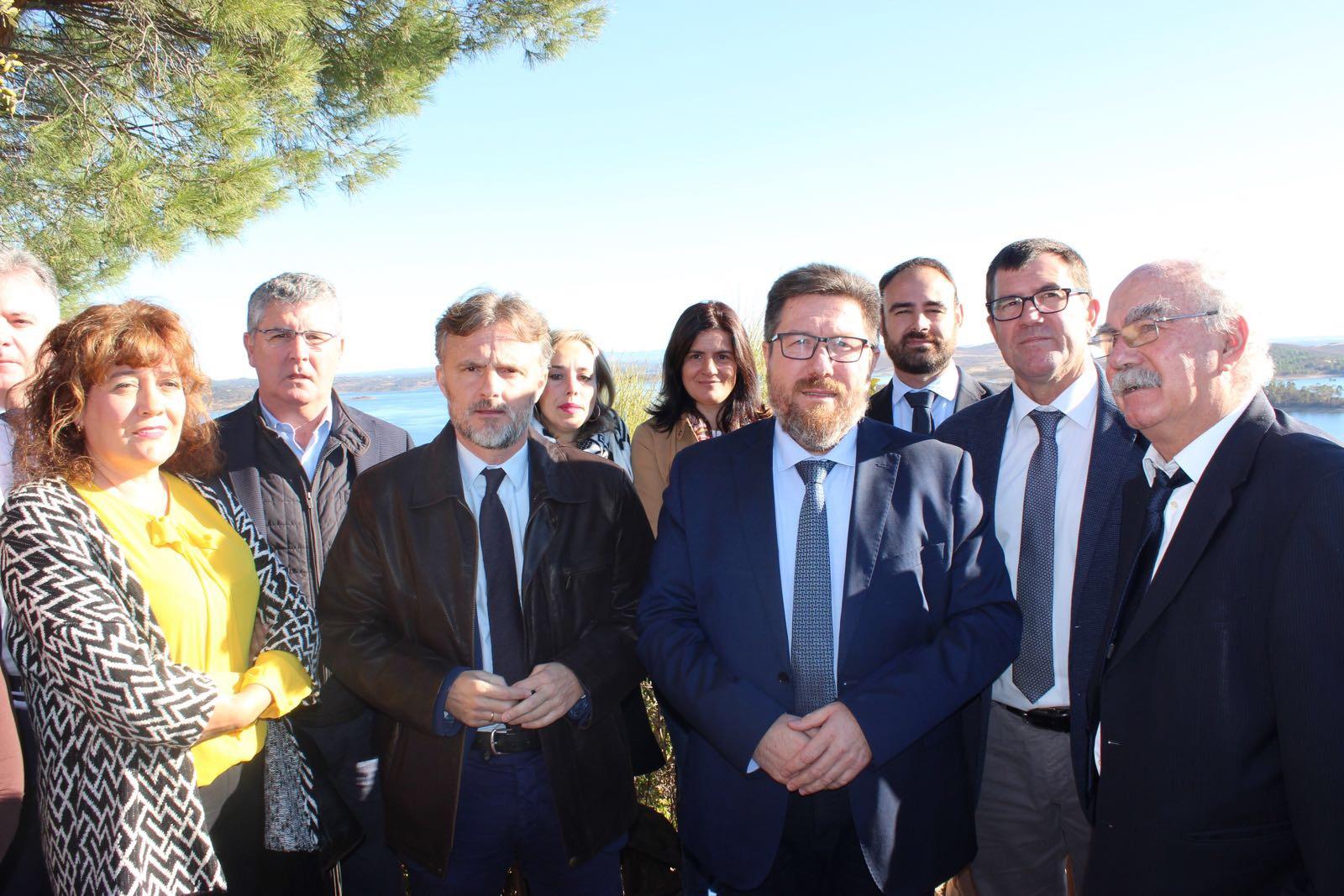 Regantes Andévalo consejero andaluz agricultura en huelva