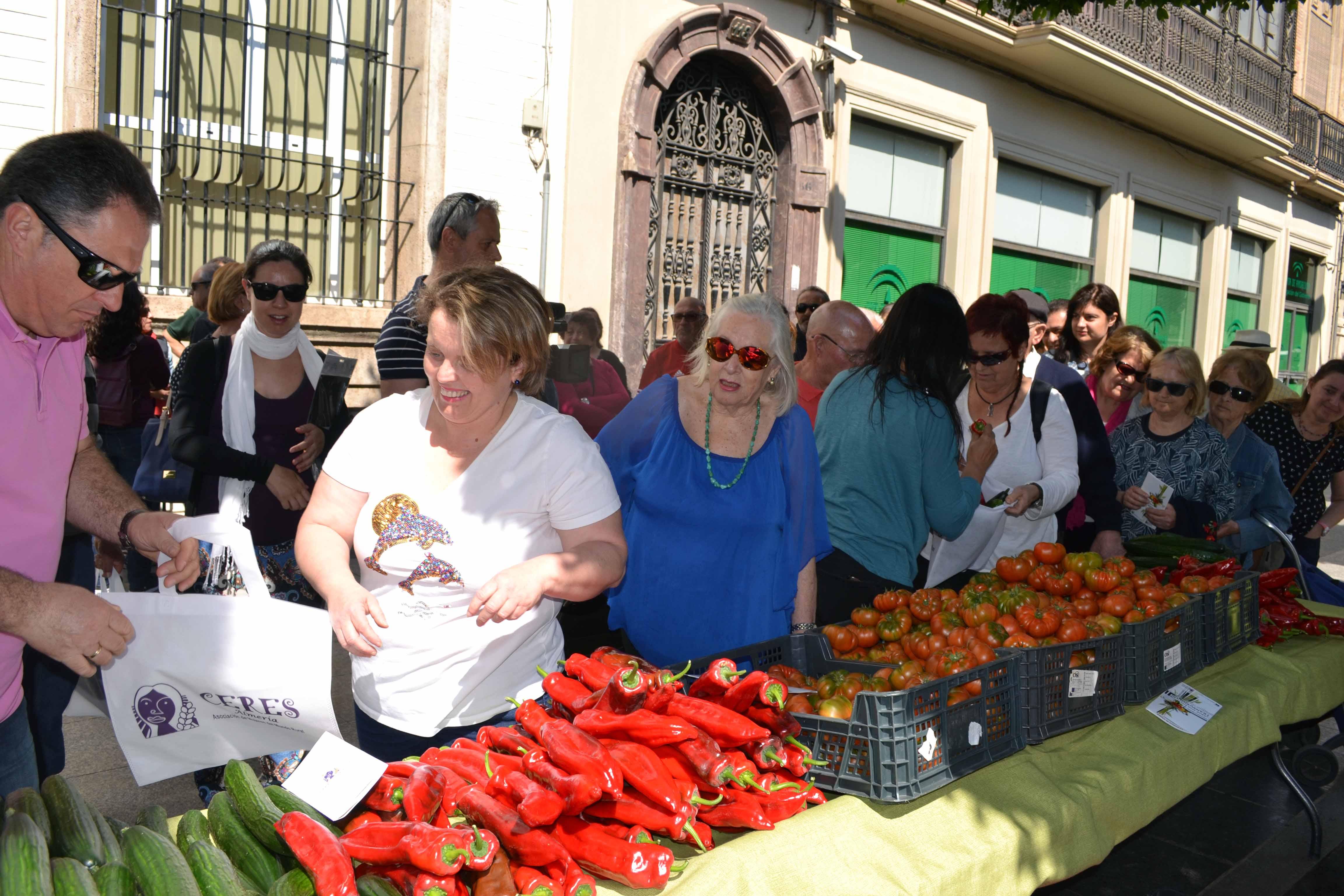 CERES reparto de frutas y hortalizas_campaña contra transgénicos