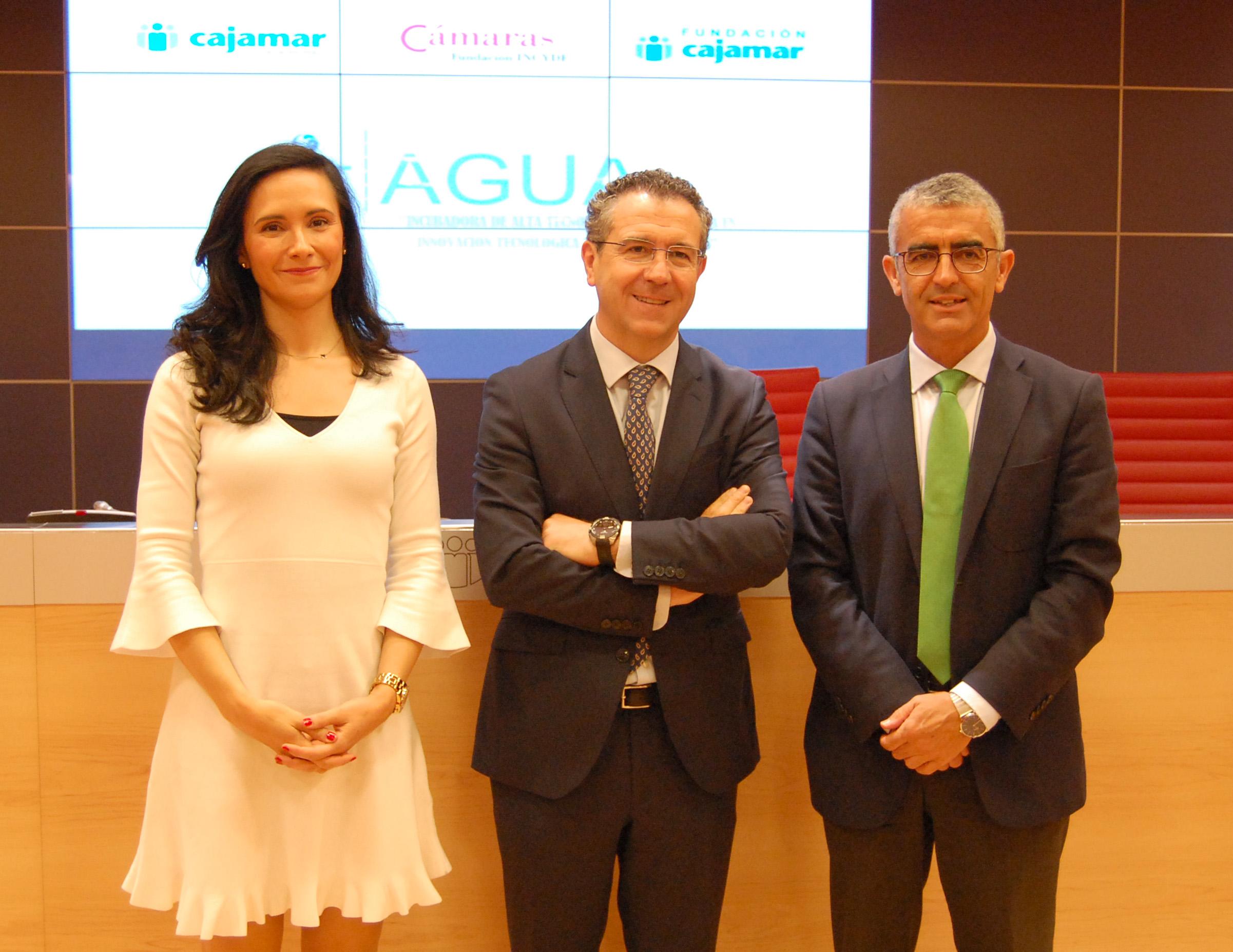 Cajamar - Natalia Vázquez, Eduardo Baamonde y Roberto García