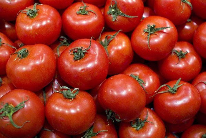 Tomates apilados