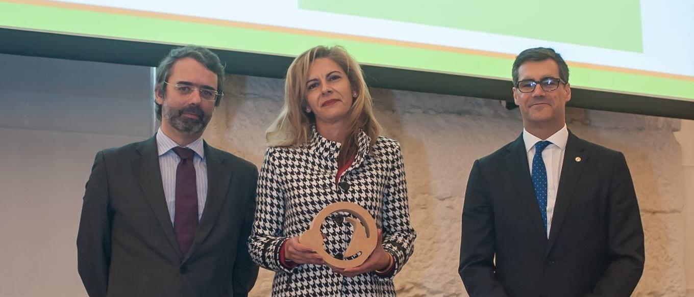 Entrega de premio, Eduardo Diniz, Manuela Cordeiro, Nuno Lacasta