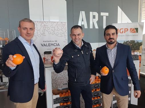 José E. Sanz Gerente de IGP Iván Talens Bartender y Víctor Fuster Vocal de IGP naranja de valencia